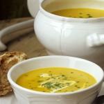 Soupe de panais et de poires rôtis