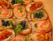 Smoked salmon canapés with mango chutney