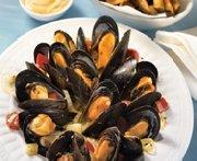 Mussels jardinière with pesto